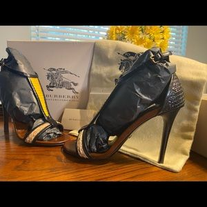 Burberry Willoughby 100 heels